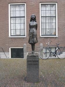 Anne_Frank_M01